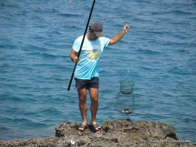 как ловить рыбу на кипре с берега